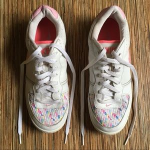 Nike Sneakers White with Multicolor Woven Tops 7Y